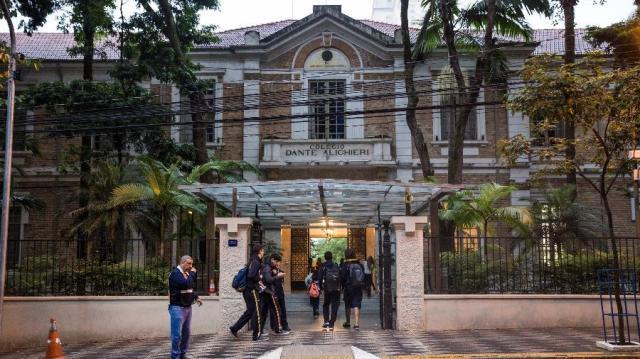 28abr2017---fachada-do-colegio-dante-alighieri-em-sao-paulo-1521989293294_v2_900x506